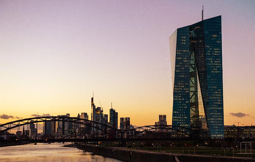 ECB behåller räntan oförändrad och lanserar stödprogram