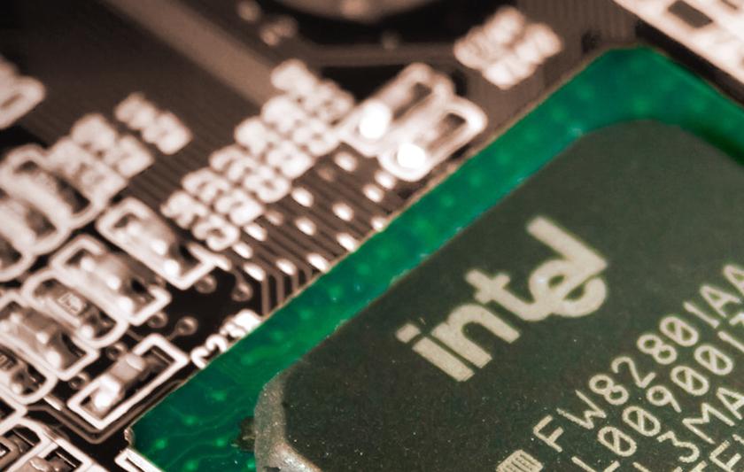 Vi ser en fin uppsida i halvledartillverkaren Intel